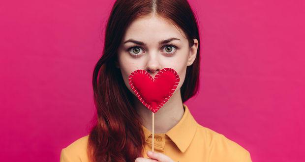 İlişkilerdeki problemler kadınları kalbinden vuruyor!
