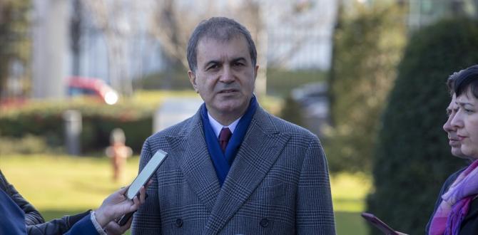"""AK Parti Sözcüsü: Darbe tartışması lüzumsuz gündem AK Parti Sözcüsü Ömer Çelik, darbe söylentileri için """"Darbe tartışması Türkiye için lüzumsuz bir gündemdir"""" dedi."""