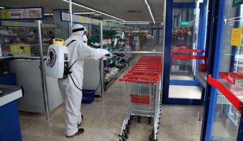 Kartal Belediyesi'nin Dezenfekte Çalışmaları Marketlerde Devam Etti